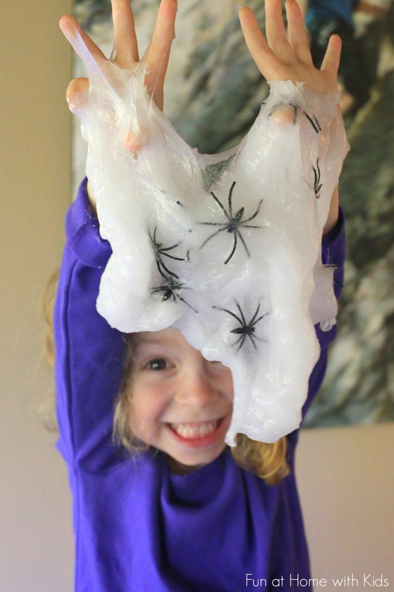 DIY Halloween spider slime (via www.funathomewithkids.com)