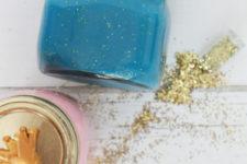 DIY blue glitter slime