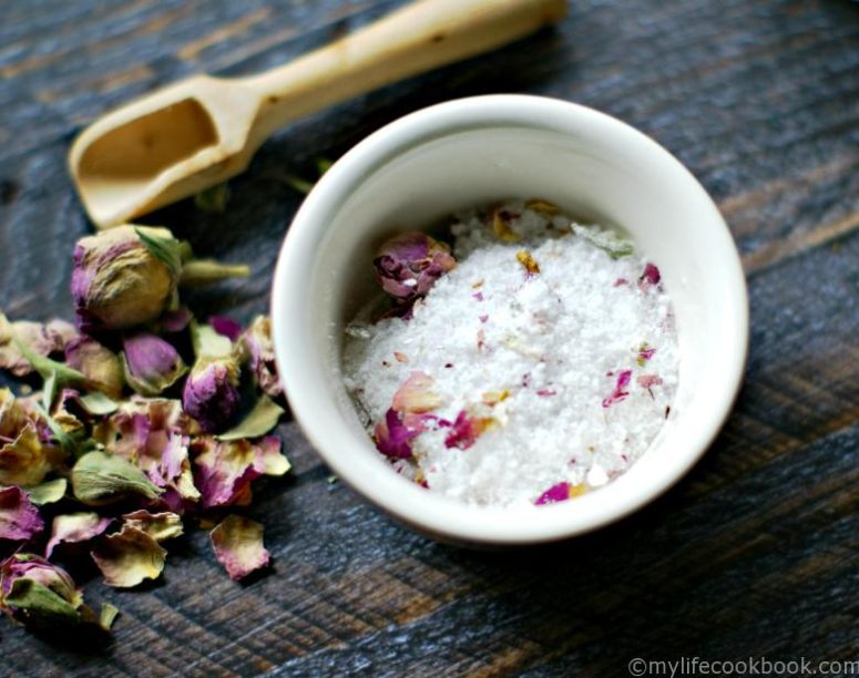 DIY lemongrass, ginger and rose bath salt (via mylifecookbook.com)