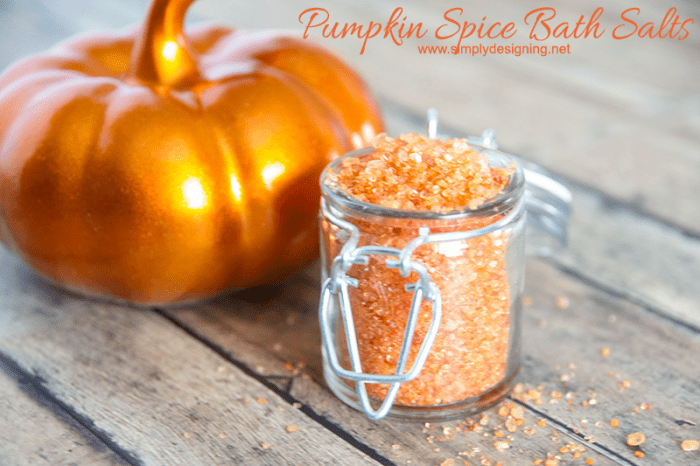 DIY pumpkin spice bath salts (via simplydesigning.porch.com)