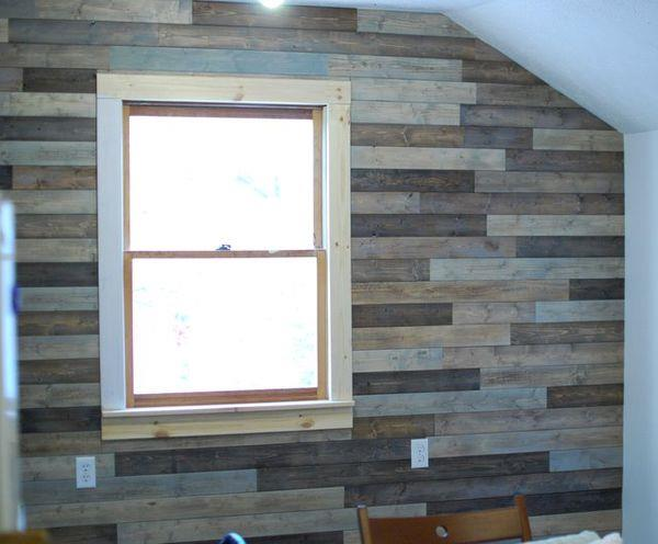 picture of diy attic wall pallet decor