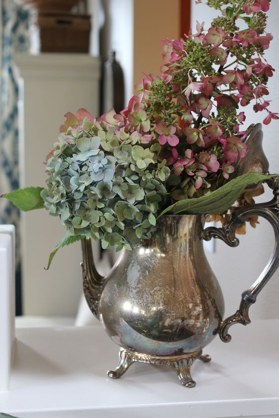 20 Exquisite Vintage Silver Décor Ideas - Shelterness
