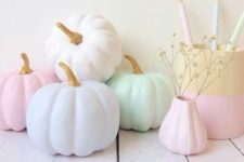 02 subtle and gentle pumpkins will create a cozy and warm atmosphere