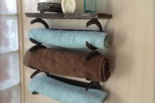 05 DIY towel horseshoe rack with a board