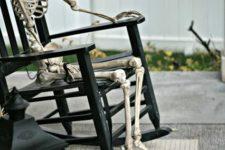 05 outdoor skeletons display for elegant yet frightening decor