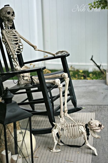 outdoor skeletons display for elegant yet frightening decor