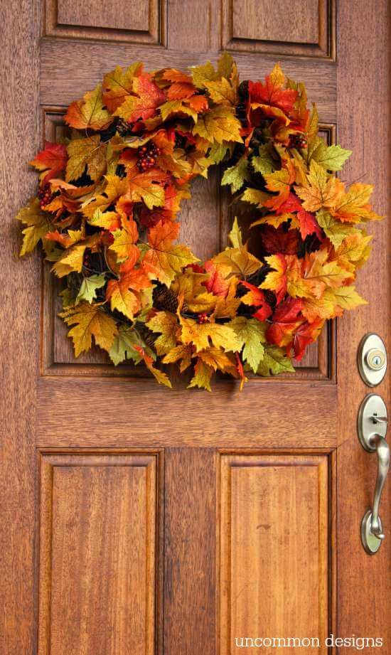 faux leaves and pinecones - such a wreath will take you a couple of minutes to make