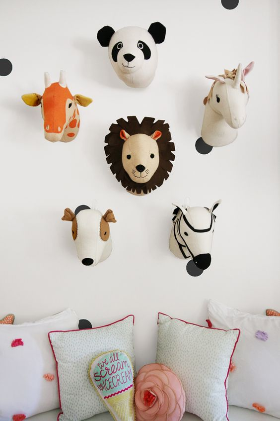Decorative animal head trend 23 cool ideas shelterness for Animal head wall decoration