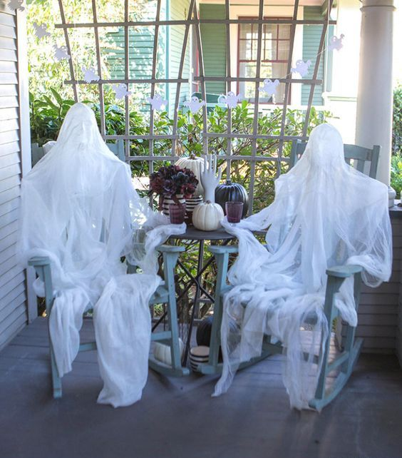 28 scary outdoor halloween d cor ideas shelterness - Diy halloween ghost decorations ...