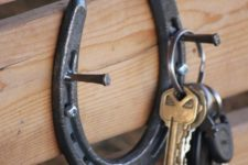 17 easy horseshoe key hook