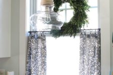 18 cafe curtains can be made without sewing, just choose the fabric you like