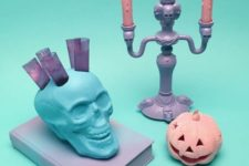 23 purple, pink and blue decorations for unique Halloween decor