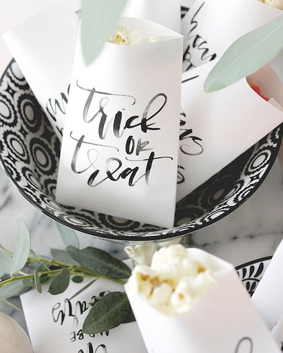 calligraphy favor bags for guests