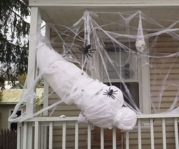 28 Scary Outdoor Halloween Décor Ideas