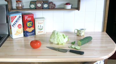DIY butcher block kitchen countertop (via extremehowto.com)