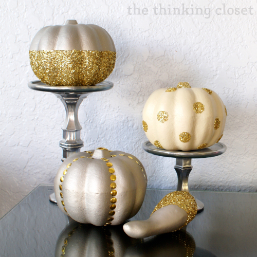 DIY glitter glam pumpkins from a dollar store (via www.thinkingcloset.com)