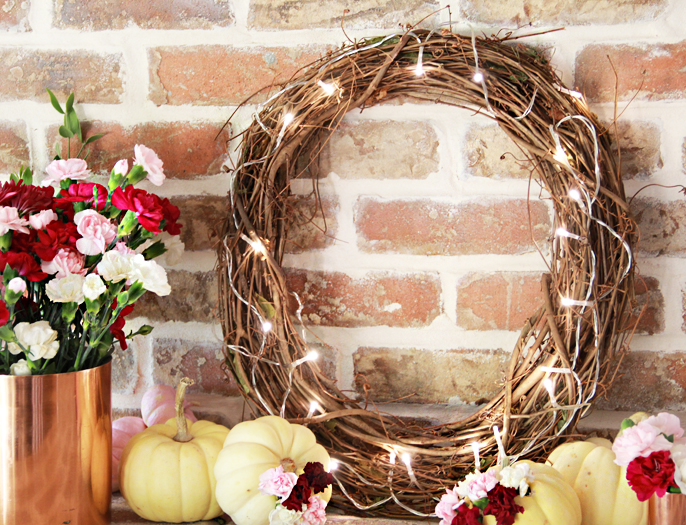 DIY simple lighted grapevine wreath (via www.abubblylife.com)