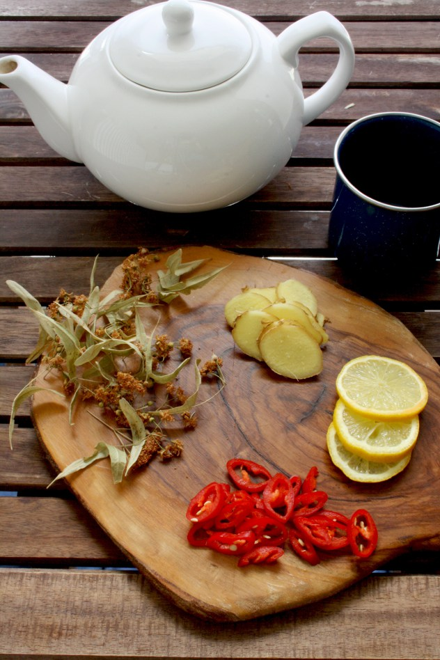 DIY flu tea with linden blossom and hot chilies (via happykitchen.rocks)