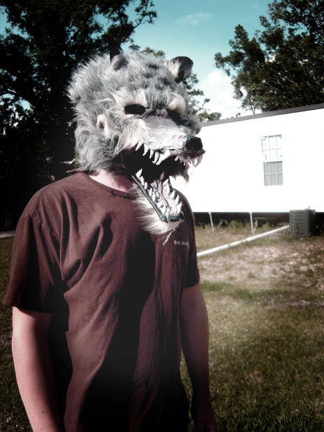 DIY werewolf mask (via www.instructables.com)