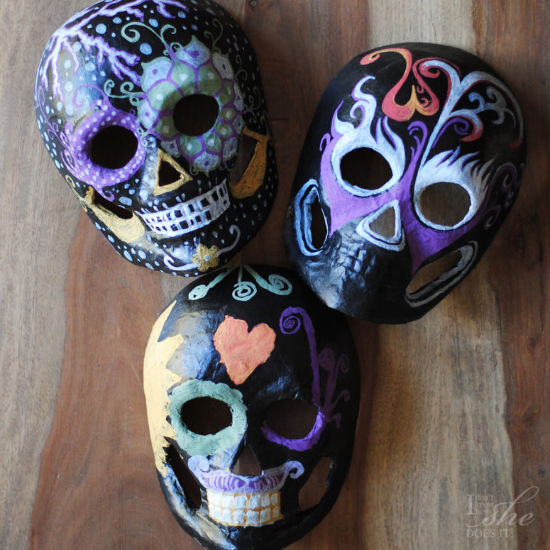 DIY sugar skulls masks for kids (via www.knowhowshedoesit.com)