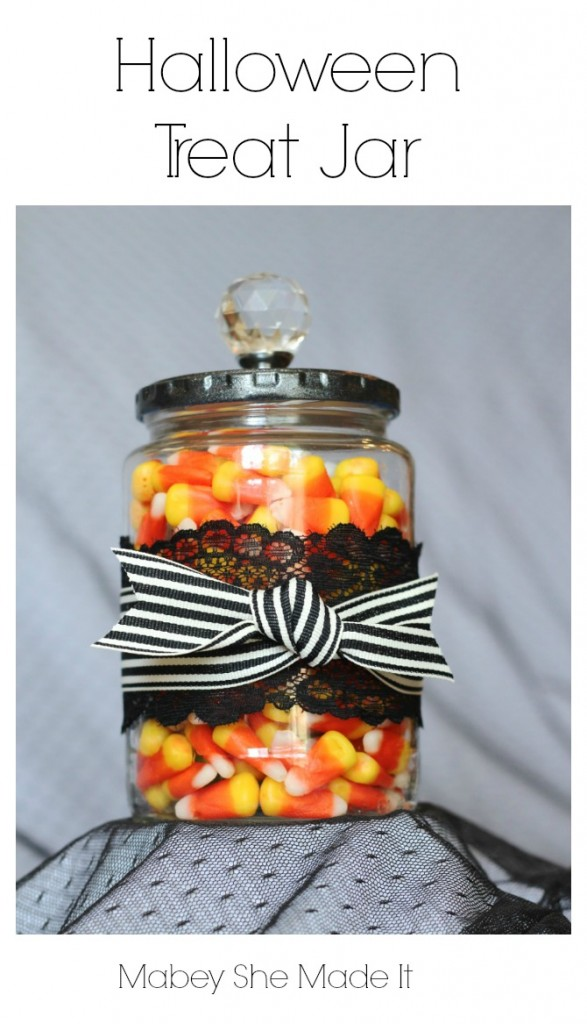 DIY treat jar with lace and ribbon (via www.mabeyshemadeit.com)