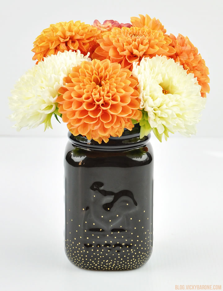 diy black and gold dots vase for halloween centerpieces via blogvickybaronecom - Halloween Centerpieces