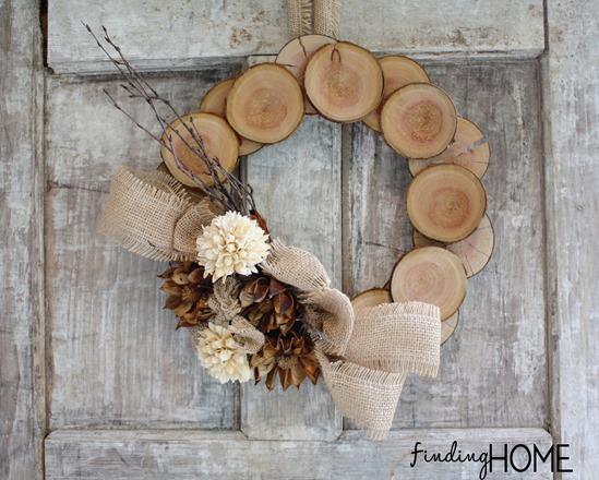 DIY wood slices and burlap wreath (via findinghomefarms.com)