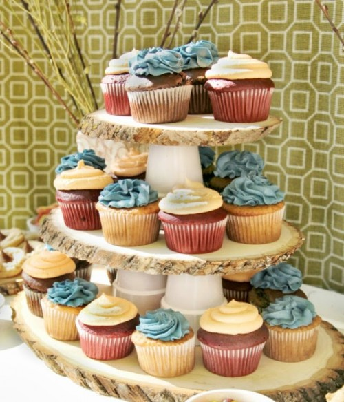 DIY rustic wood slice and pot cupcake stand (via www.shelterness.com)