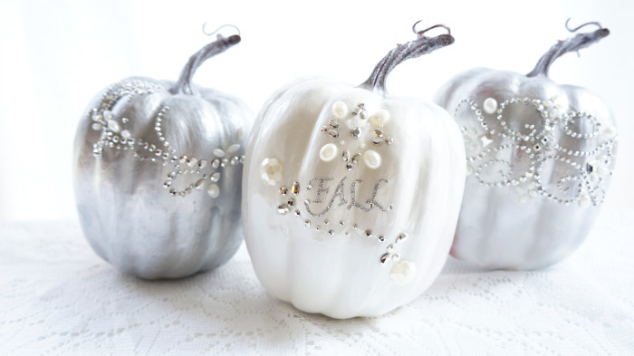 DIY glam pumpkins with beads and pearls (via hauteandhealthyliving.com)
