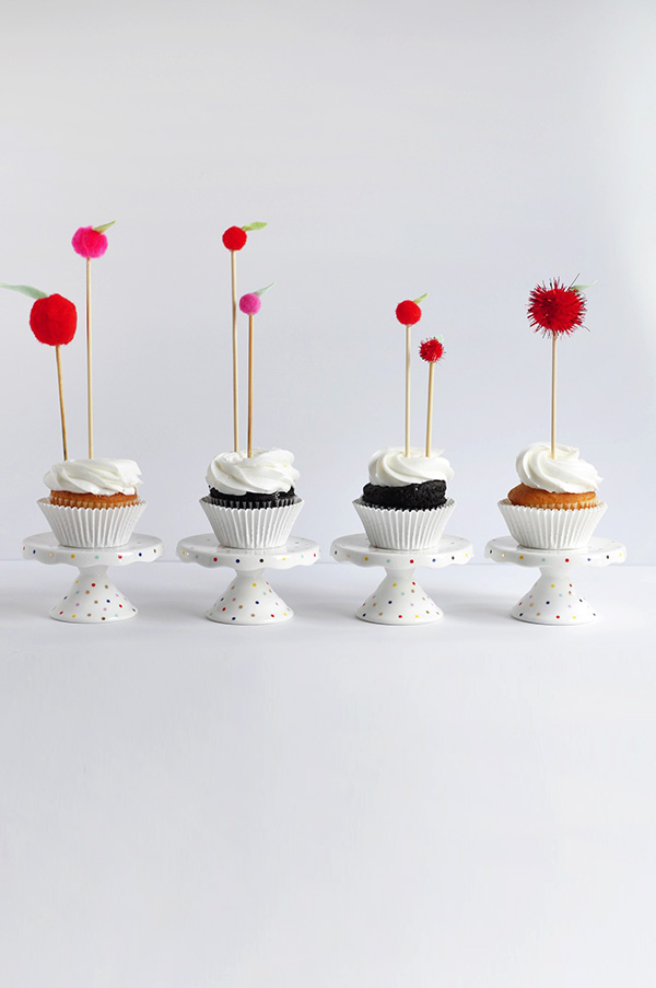 DIY apple cupcake toppers (via www.delineateyourdwelling.com)