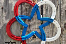 DIY horseshoe star wreath in national colors