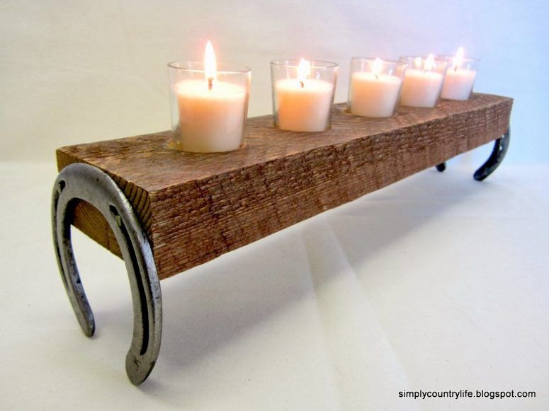 DIY horseshoe candle stand for cozy decor (via simplycountrylife.blogspot.ru)