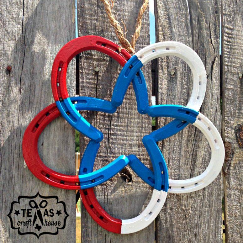 DIY horseshoe star wreath in national colors (via https:)