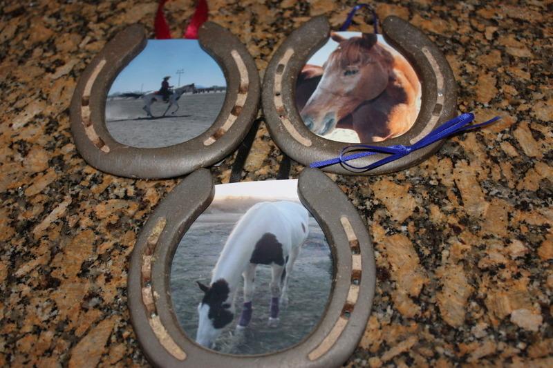 DIY horseshoe photo frames