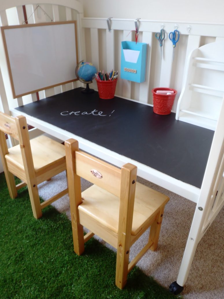 DIY chalkboard desk from an old cot (via alittlelearningfortwo.blogspot.ru)