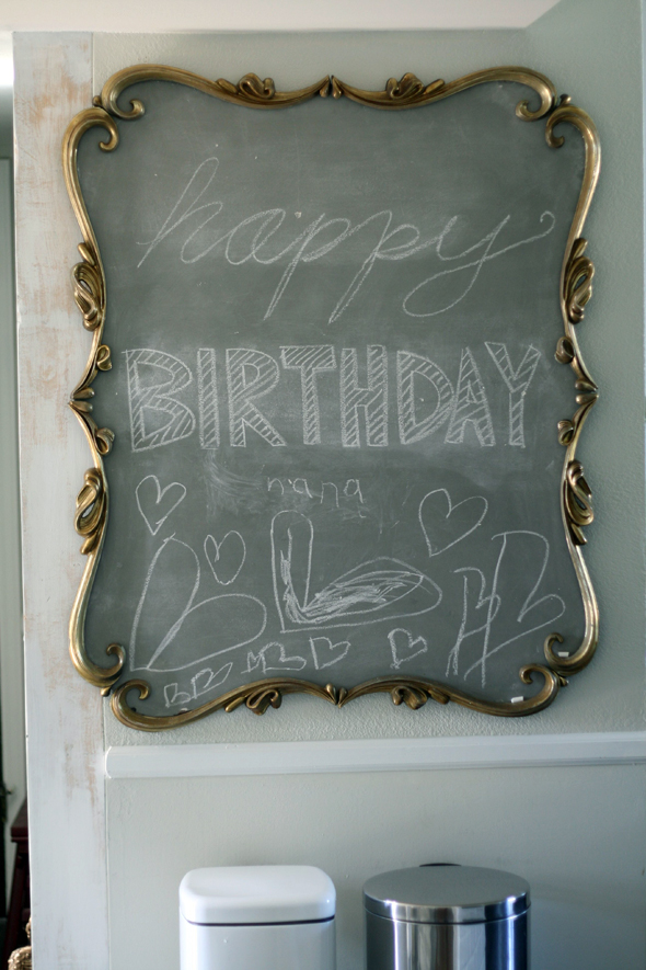 DIY medium grey chalkboard paints (via littlegreennotebook.com)