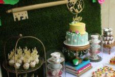 02 Alice in Wonderland dessert table