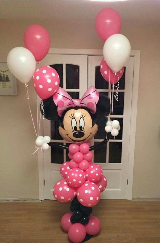 adorable Minnie Mouse balloon would make anyone happy