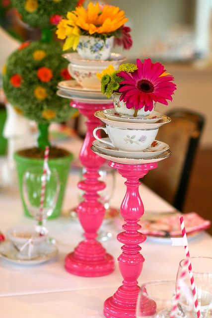 32 kids 39 alice in wonderland party ideas shelterness - Alice in wonderland tea party decorations ...