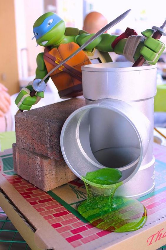 Leonardo TMNT centerpiece for a kids' party