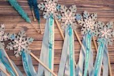 06 Elsa's magic wands as party favors or for playing