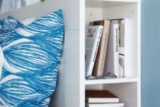 11 store books in your headboard compartments