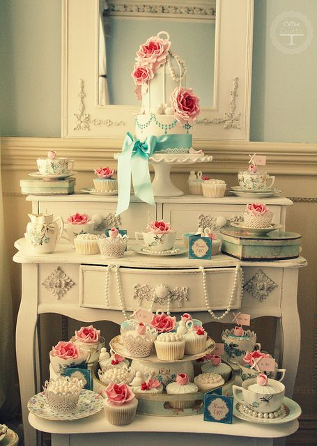 vintage desk as a cupcake and cake display