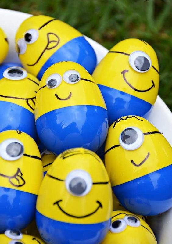 Minion Eggs Containing Different Prizes As Party Favors