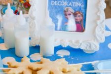 15 cookie making station at a Frozen birthday party