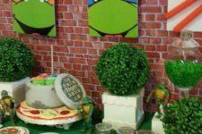 16 Teenage Mutant Ninja Turtles birthday party dessert table