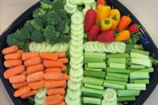 16 anchor veggie tray is a creative idea for serving food