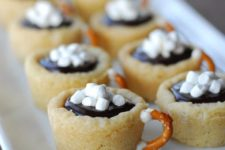 16 hot chocolate cookie cups as whimsy modern treats