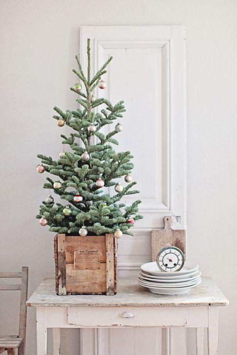 29 Small Christmas Tree Decor Ideas - Shelterness