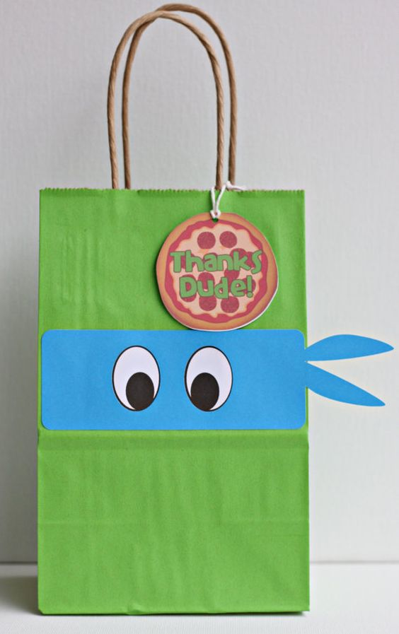 simple favor bags with pizza tags